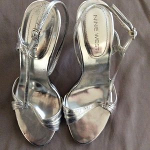 Size 6 Nine West Silver Heel Sandals.